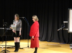 Ms. Haley and Irina Walters after Ms. Haley's lecture and performance at ACS Egham International School